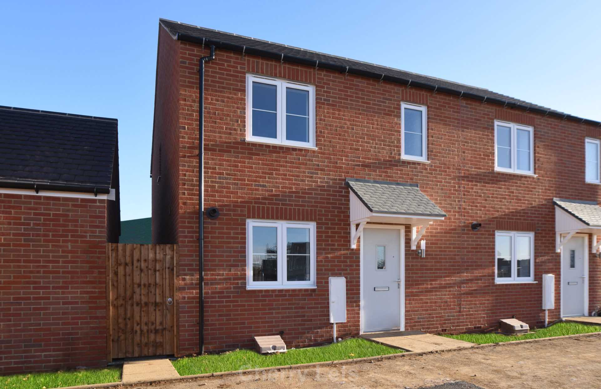 3 bed semi-detached house to rent in Songthrush Road, Longford Park, Banbury 8