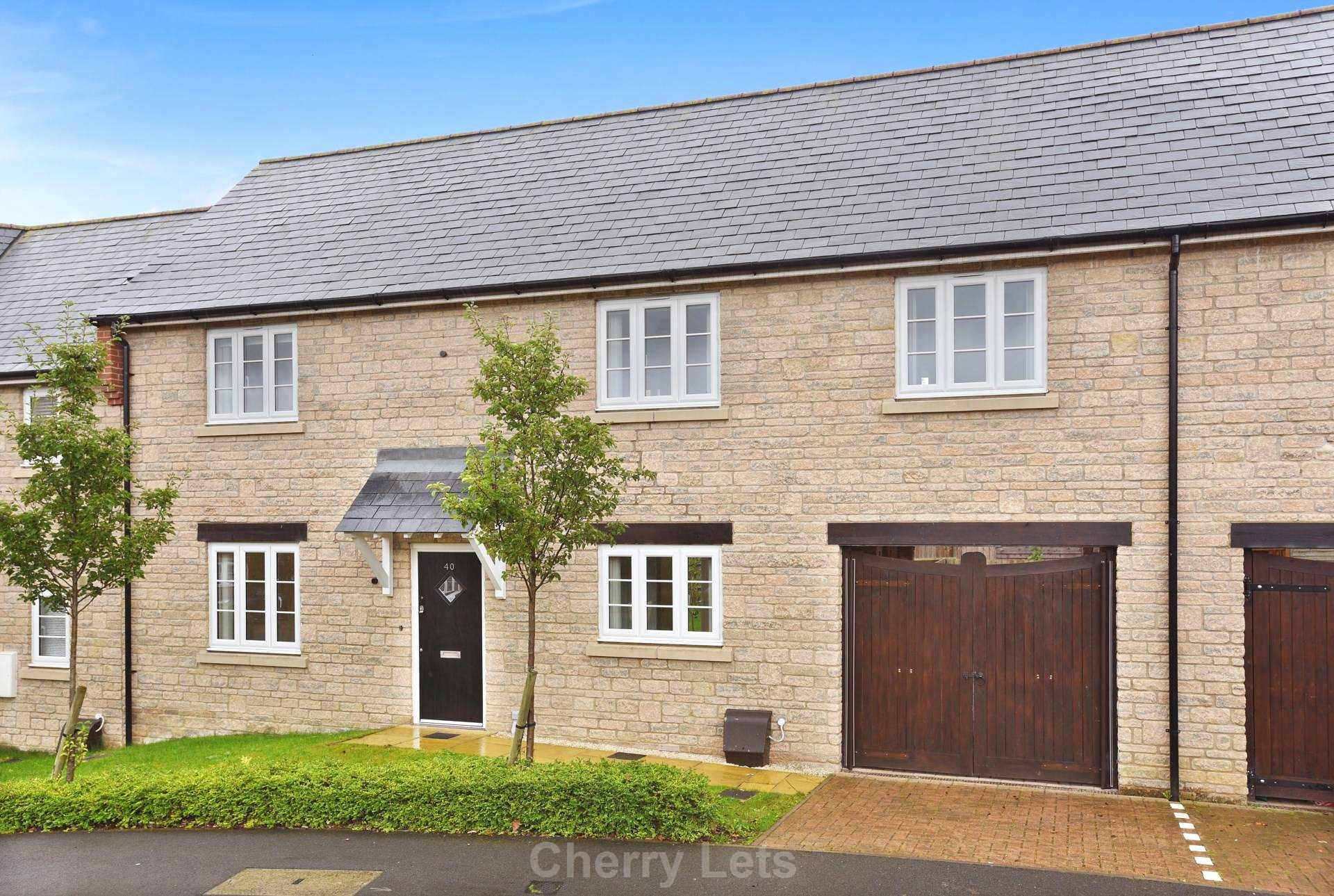 3 bed terraced house to rent in Aldous Drive, Bloxham, Banbury  - Property Image 1