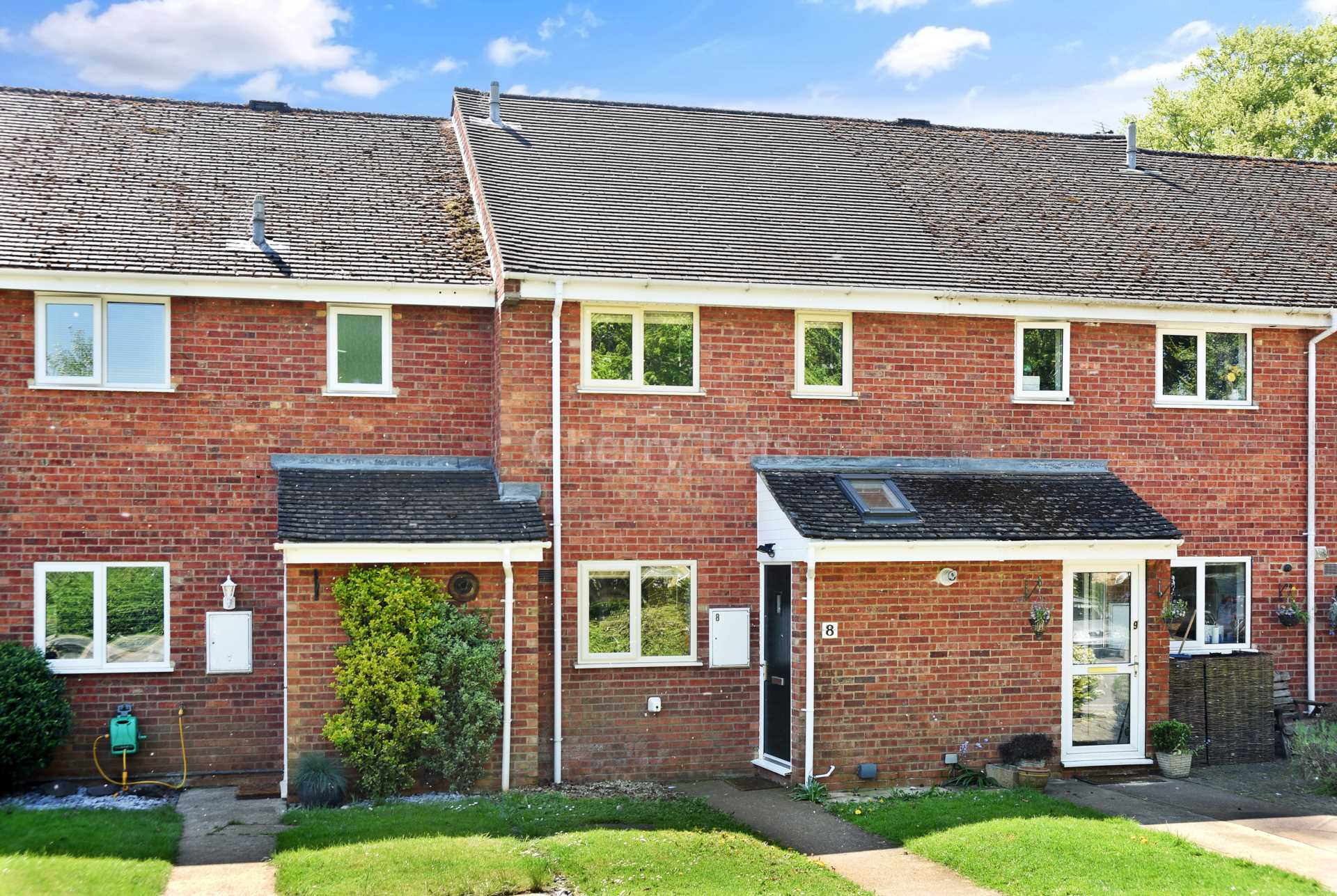 3 bed terraced house to rent in Keytes Close, Adderbury, OX17 - Property Image 1