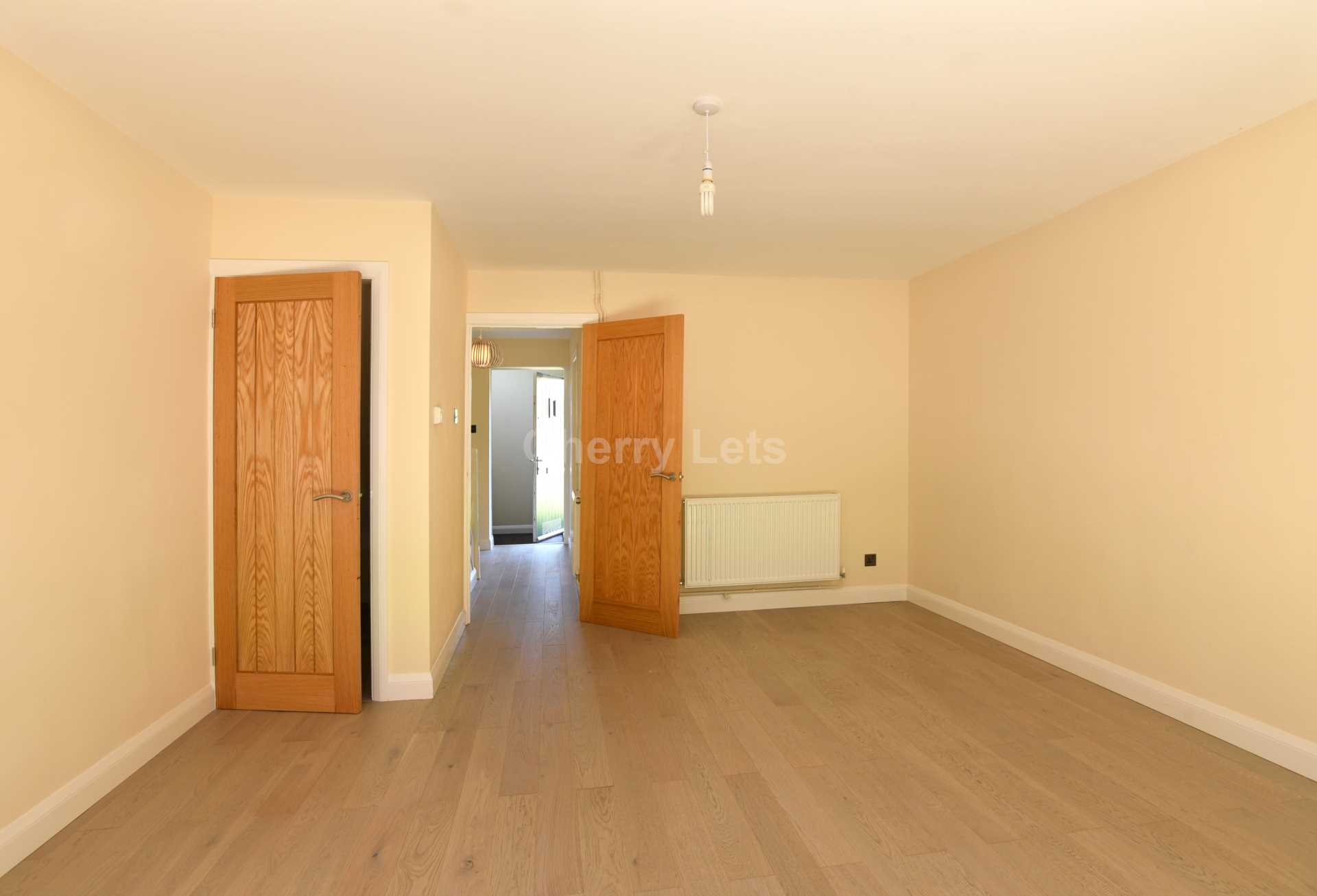 3 bed terraced house to rent in Keytes Close, Adderbury, OX17 2