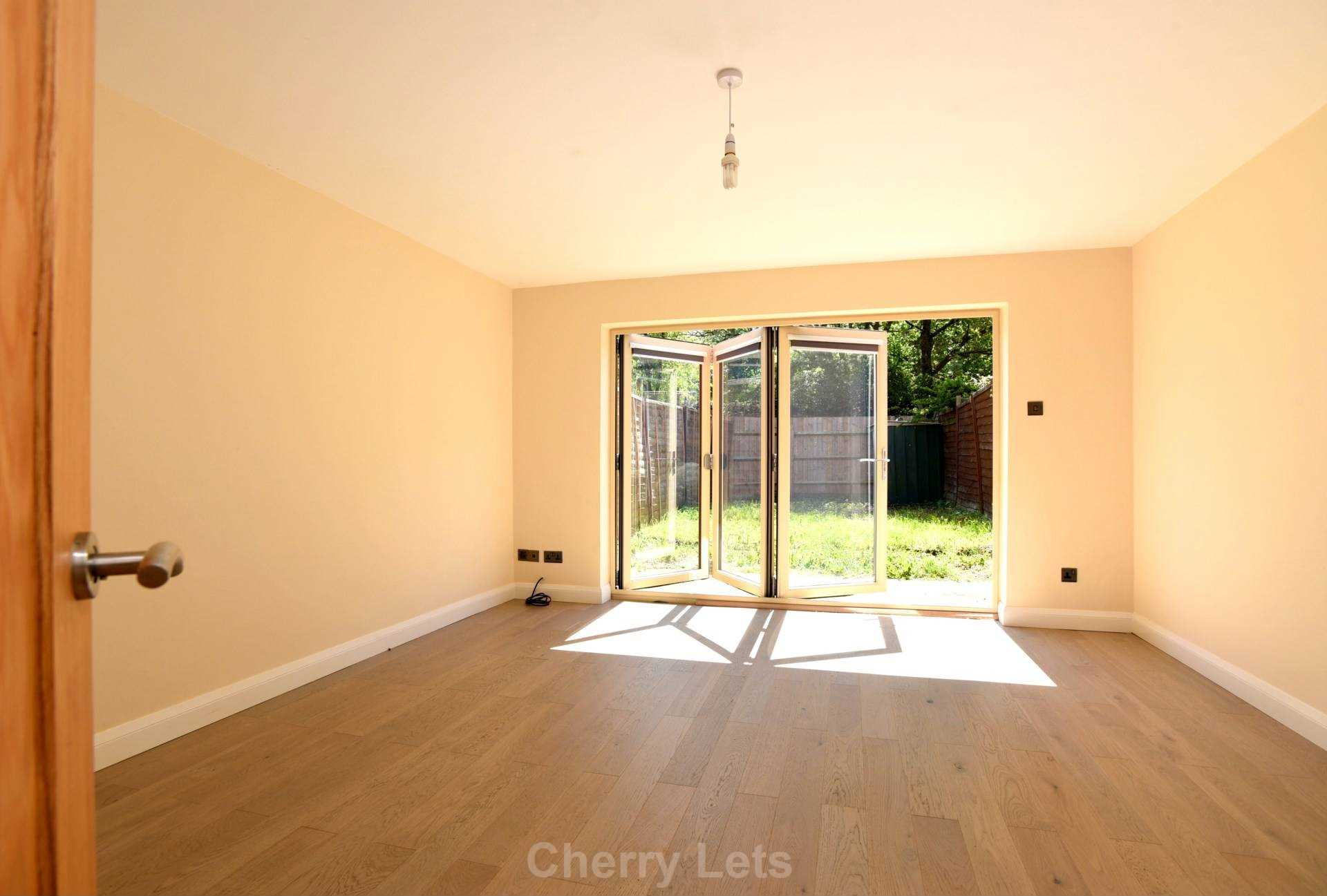 3 bed terraced house to rent in Keytes Close, Adderbury, OX17 3