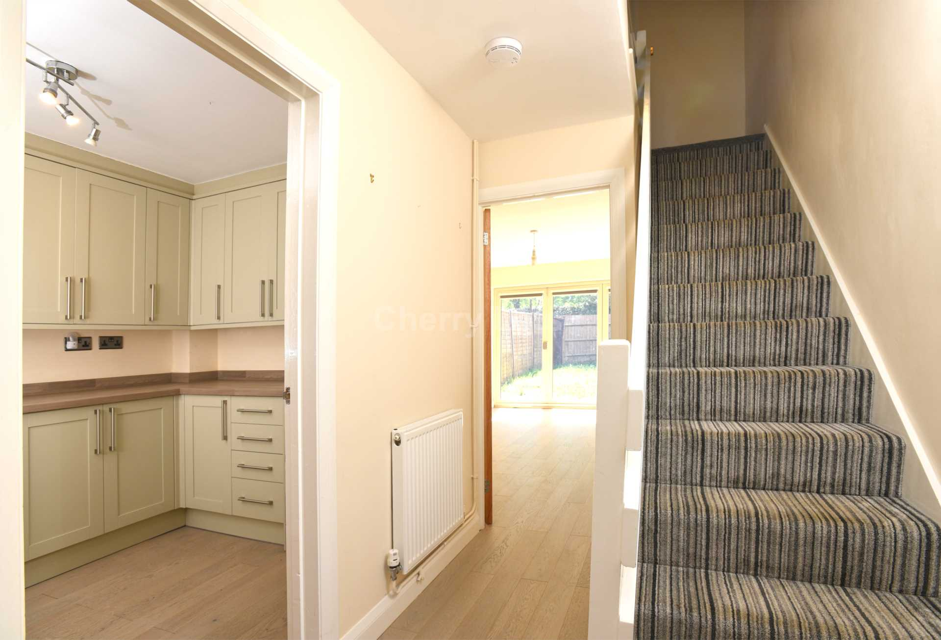 3 bed terraced house to rent in Keytes Close, Adderbury, OX17 5