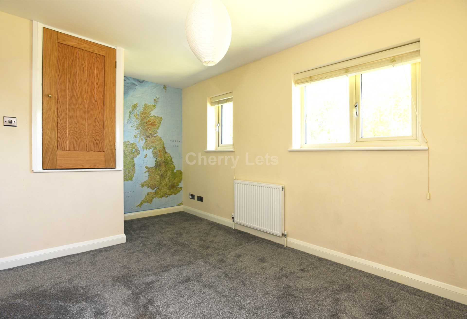 3 bed terraced house to rent in Keytes Close, Adderbury, OX17 7