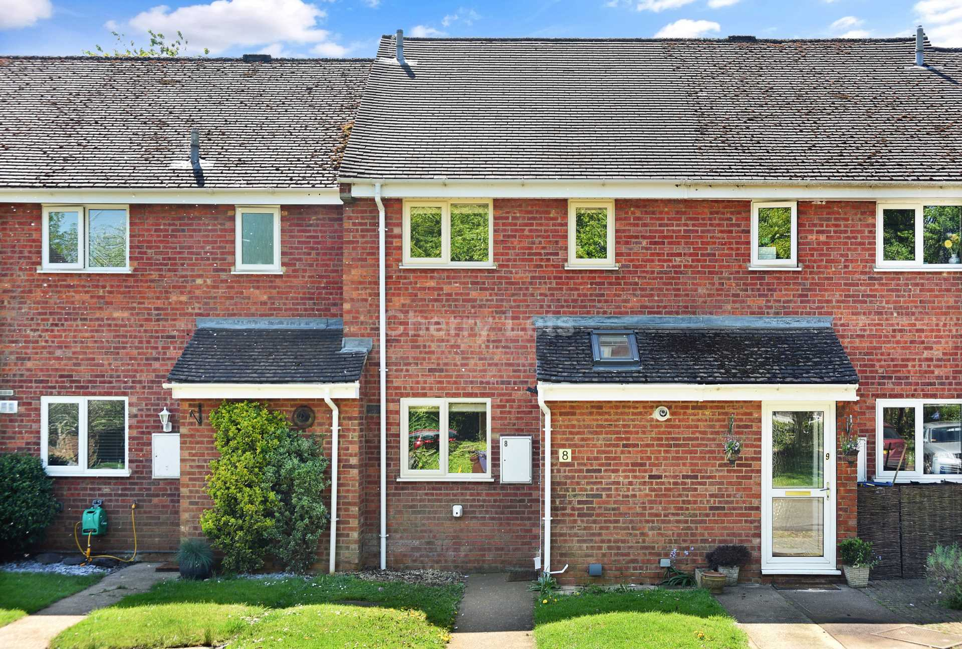 3 bed terraced house to rent in Keytes Close, Adderbury, OX17 13