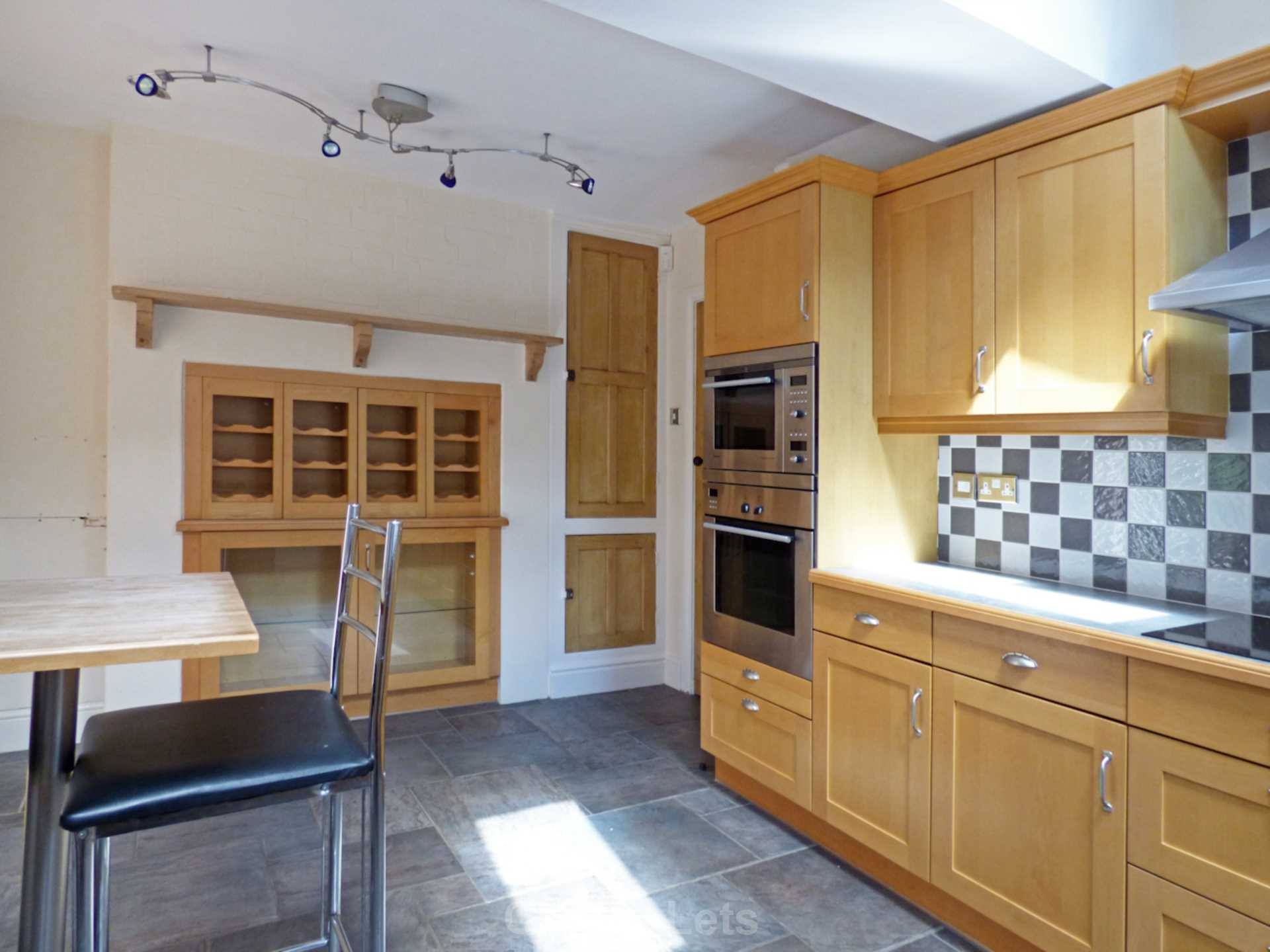 3 bed semi-detached house to rent in Oxford Road, Banbury  - Property Image 7