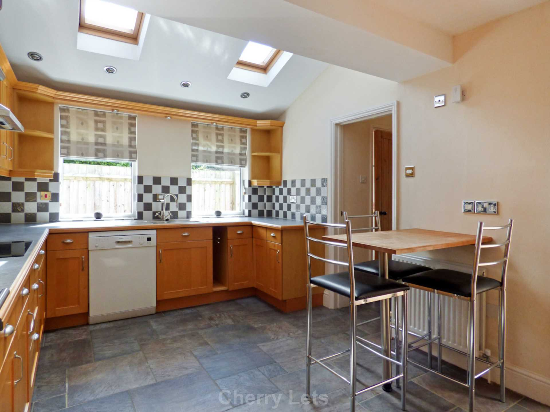 3 bed semi-detached house to rent in Oxford Road, Banbury  - Property Image 8
