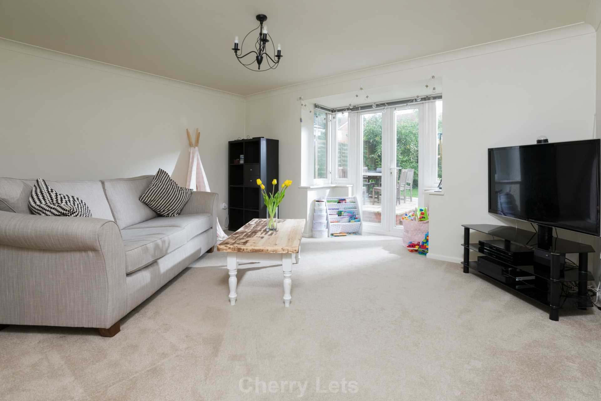4 bed detached house to rent in Humphries Drive, Brackley, NN13  - Property Image 1