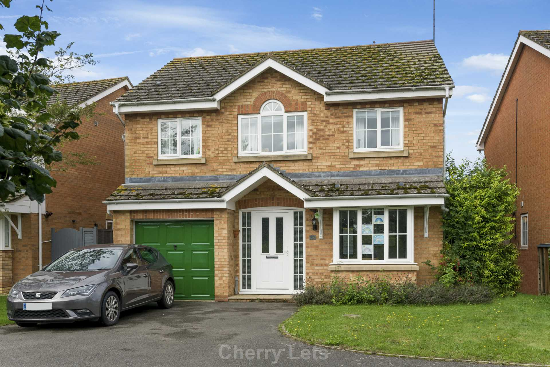4 bed detached house to rent in Humphries Drive, Brackley, NN13 1