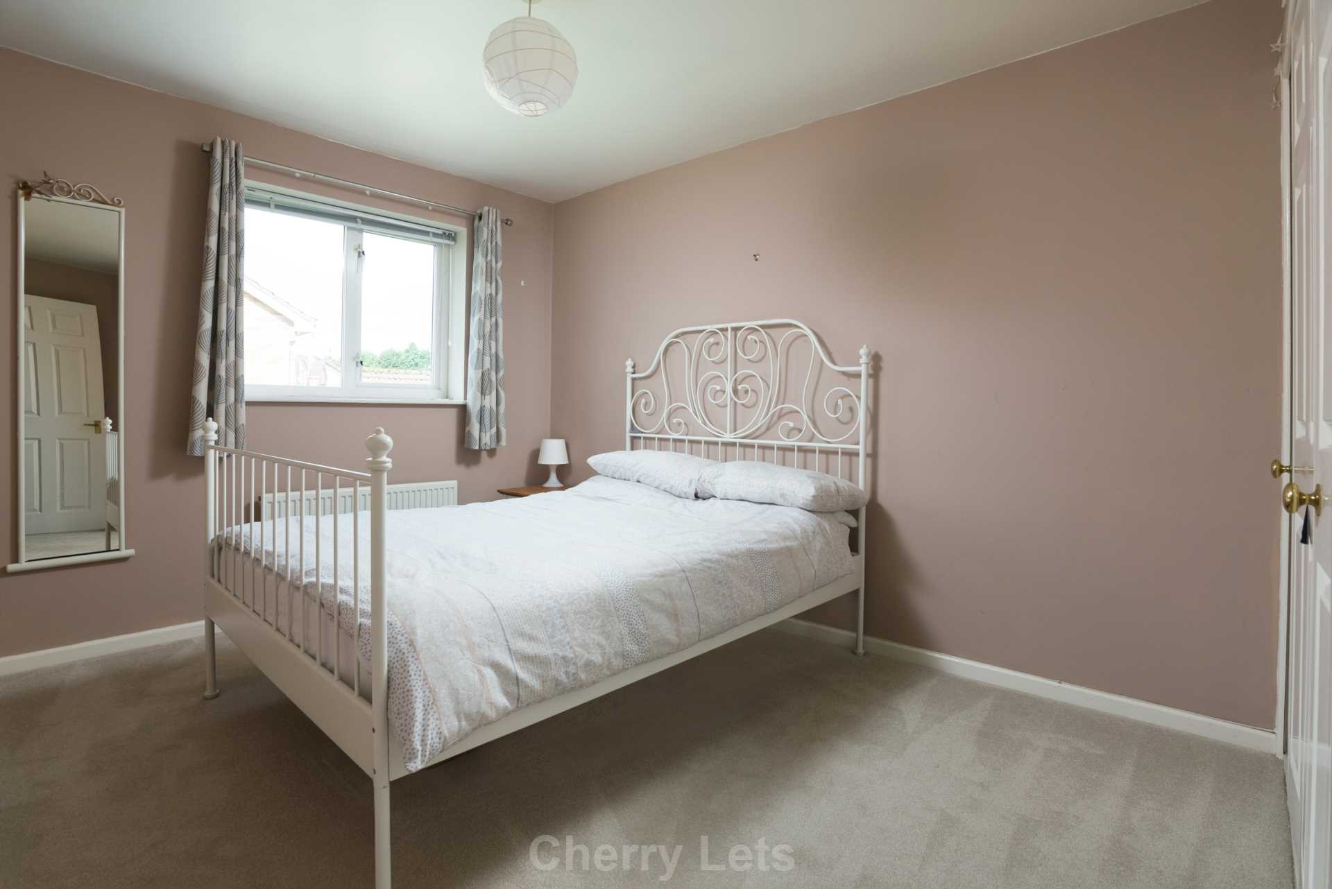4 bed detached house to rent in Humphries Drive, Brackley 8