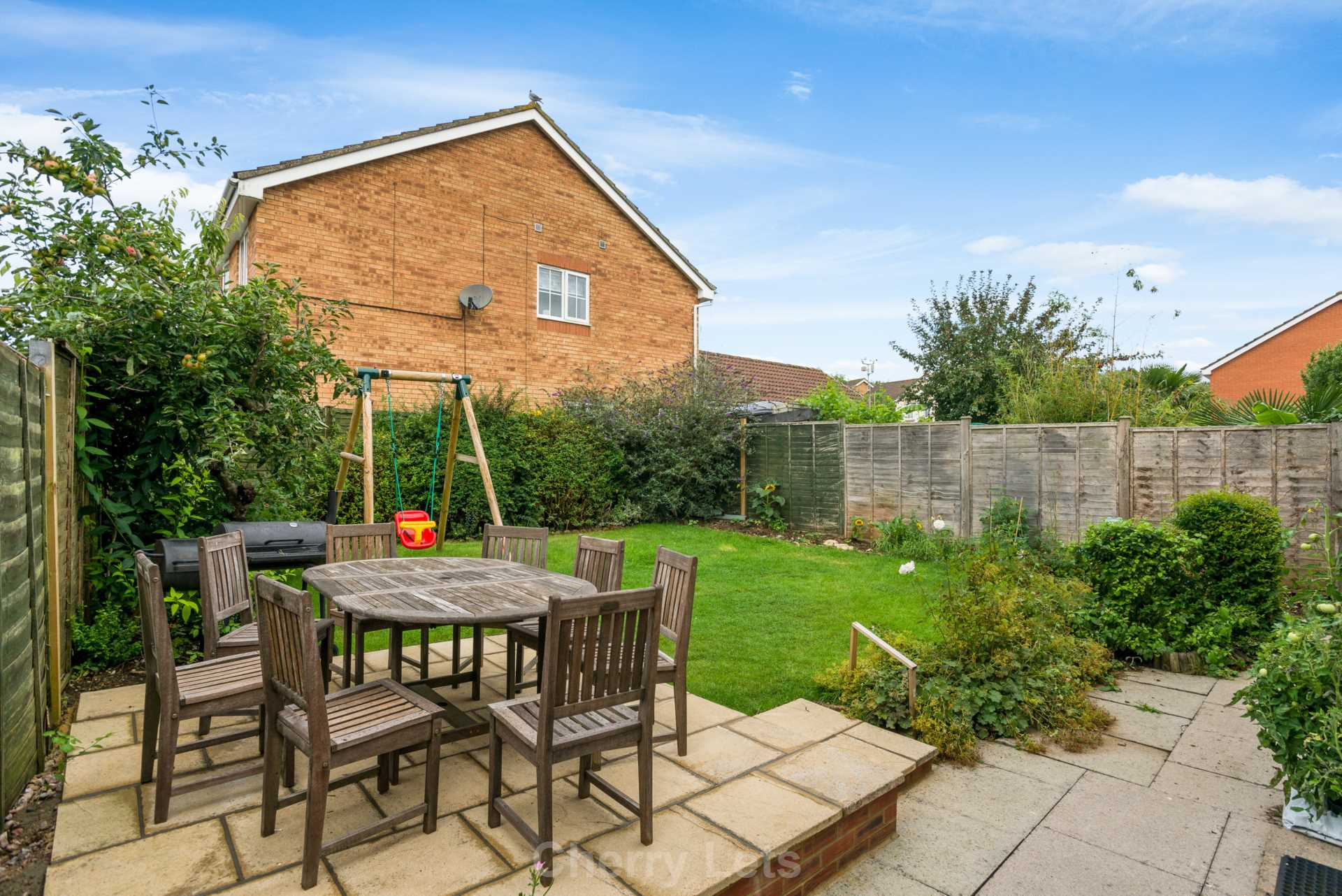 4 bed detached house to rent in Humphries Drive, Brackley, NN13 13