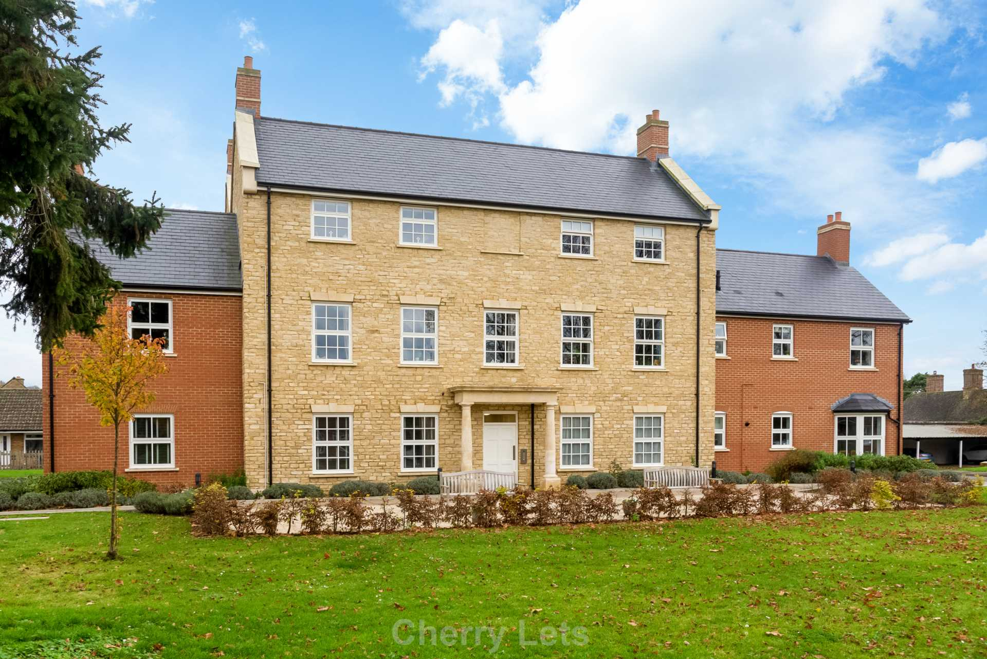 2 bed apartment to rent in Astrop Grange, Kings Sutton, OX17 1