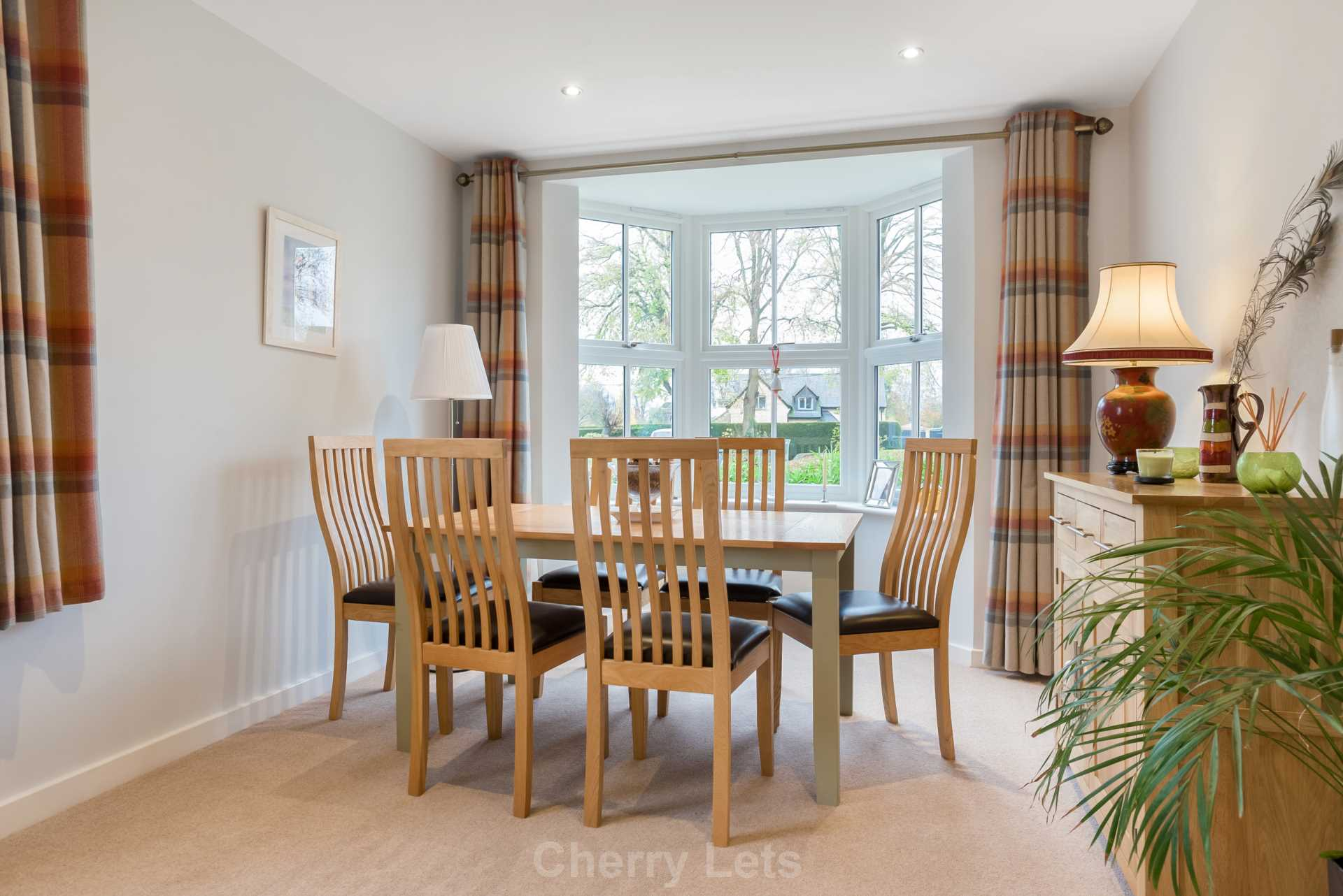 2 bed apartment to rent in Astrop Grange, Kings Sutton, OX17 4