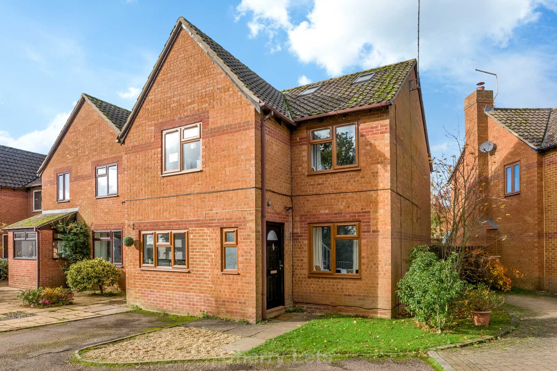 3 bed detached house to rent in Mill Close, Deddington, OX15  - Property Image 1
