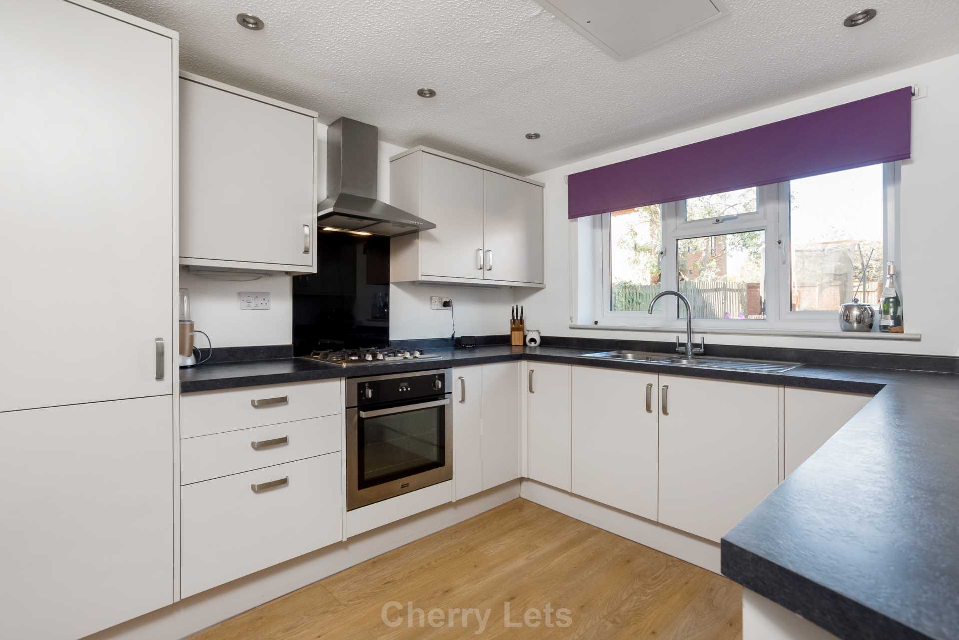 3 bed detached house to rent in Mill Close, Deddington, OX15 1
