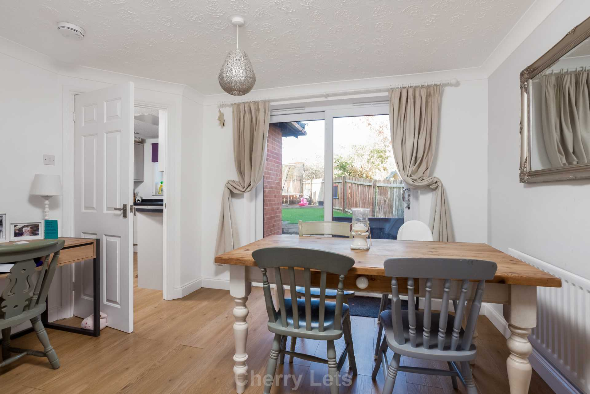 3 bed detached house to rent in Mill Close, Deddington, OX15 2