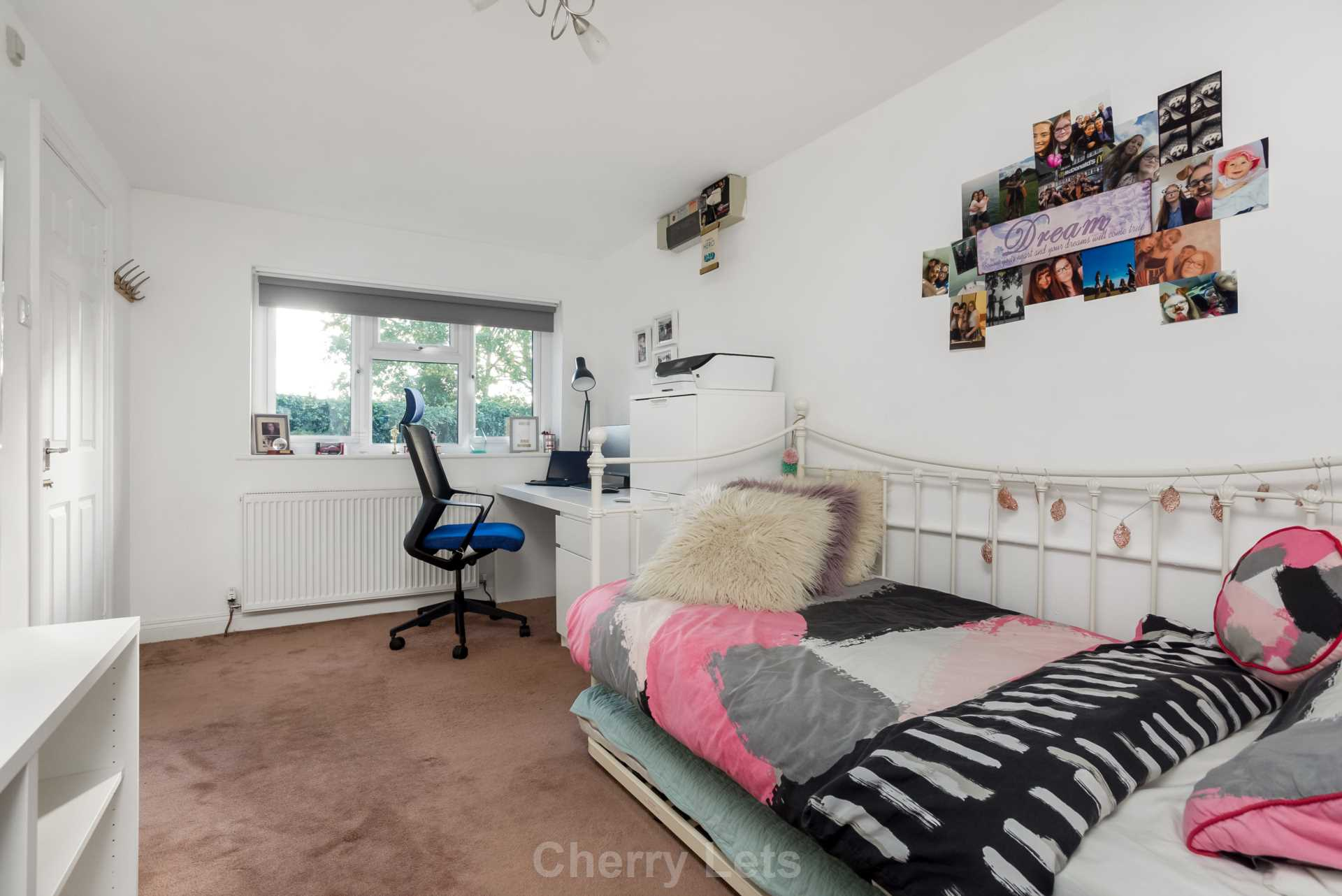 3 bed detached house to rent in Mill Close, Deddington, OX15 8