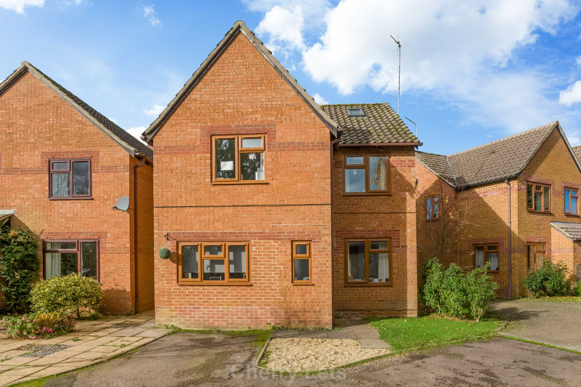 3 bed detached house to rent in Mill Close, Deddington, OX15 17