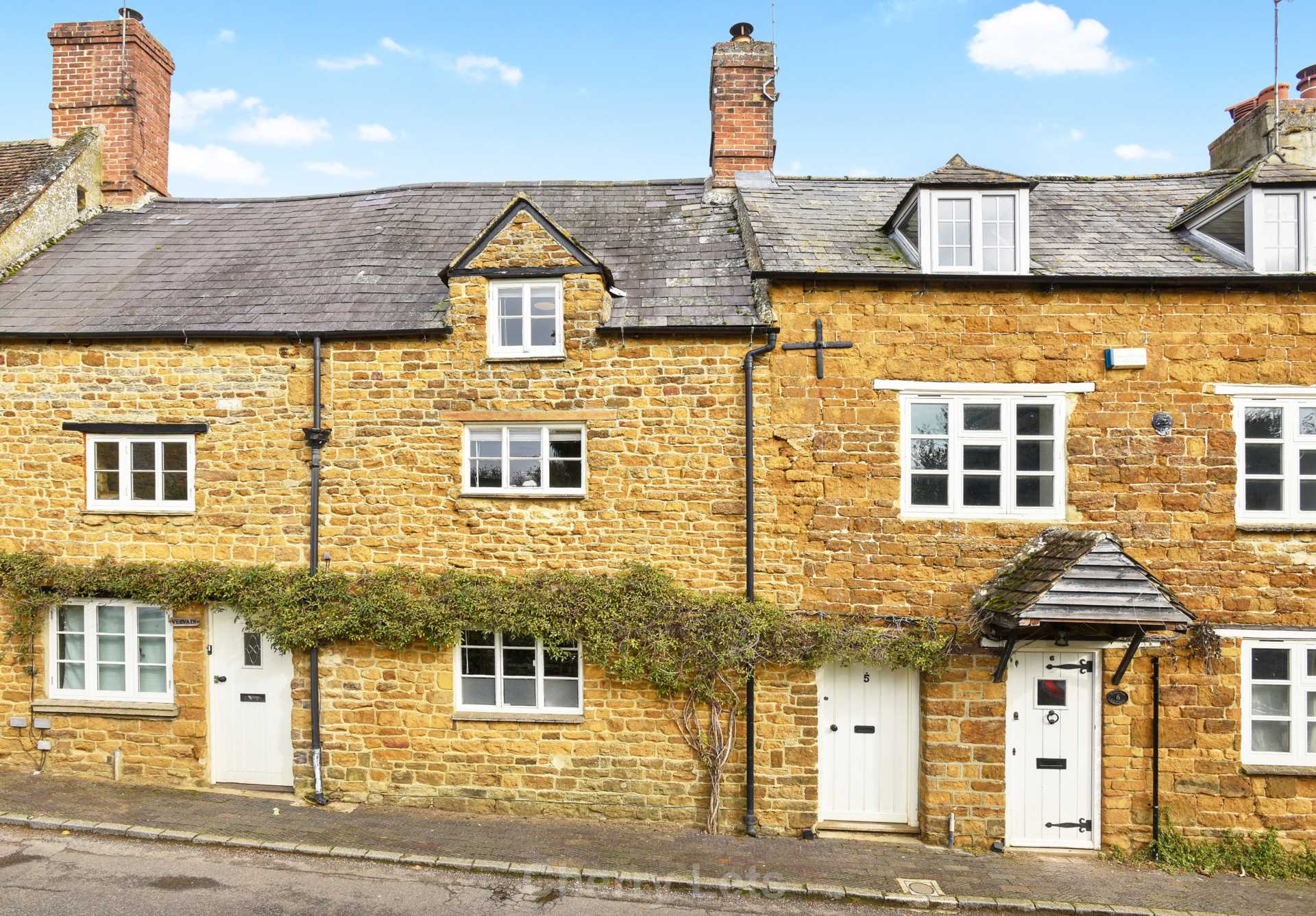 2 bed cottage to rent in Philcote Street, Deddington, Banbury  - Property Image 1