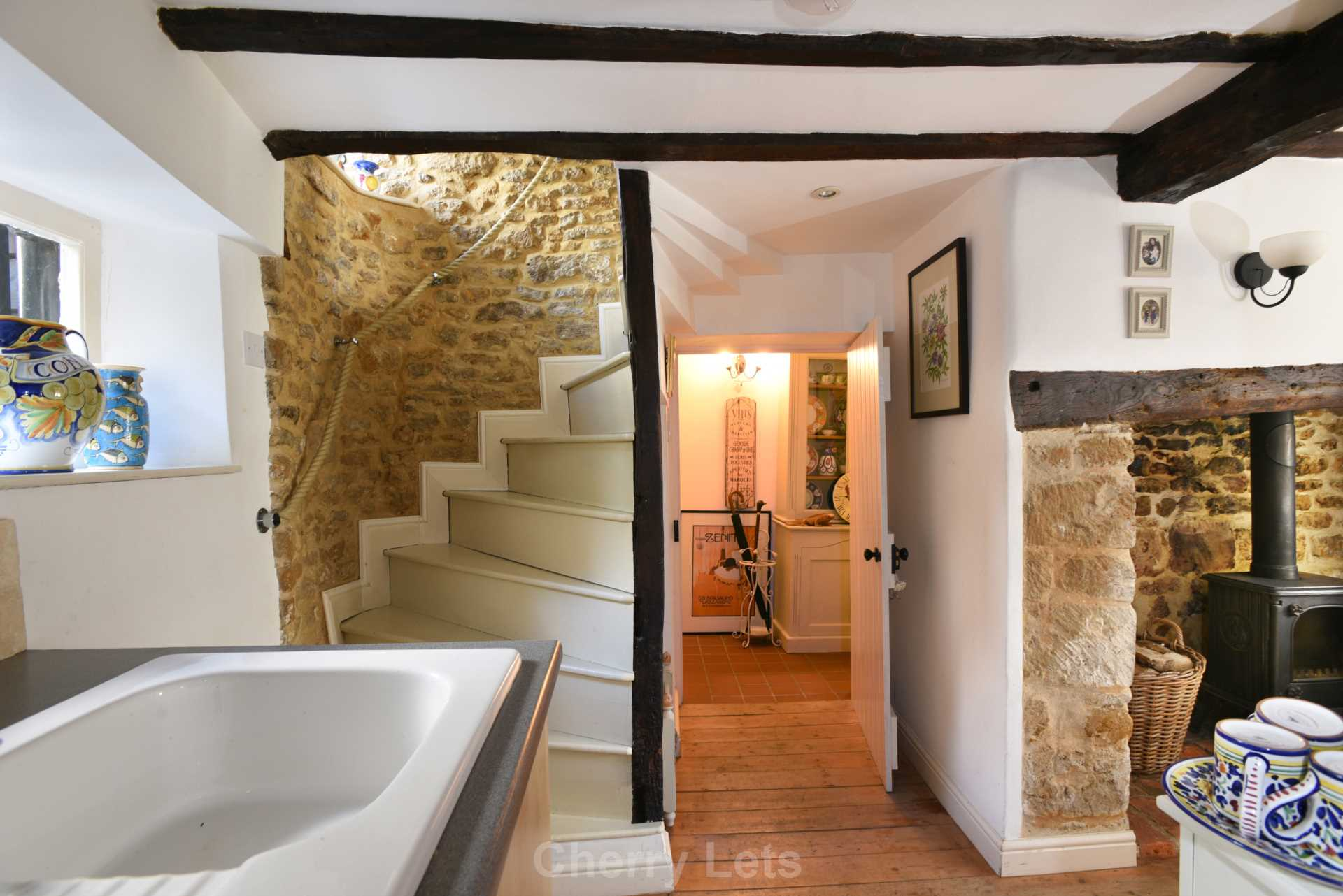2 bed cottage to rent in Philcote Street, Deddington, Banbury  - Property Image 3