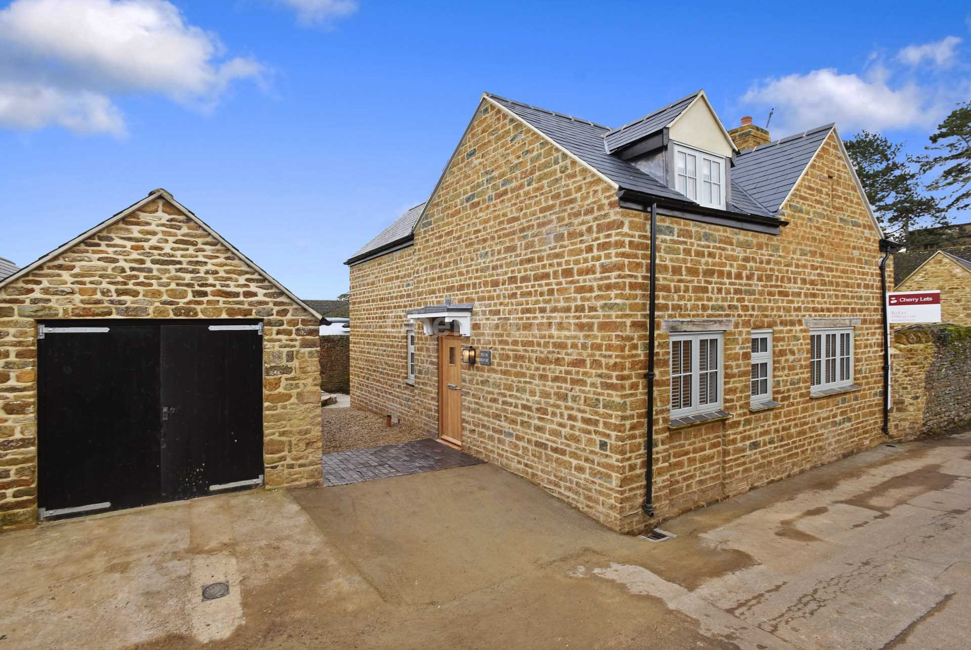 4 bed detached house to rent in Plum House, Tays Gateway, Deddington, Banbury 13