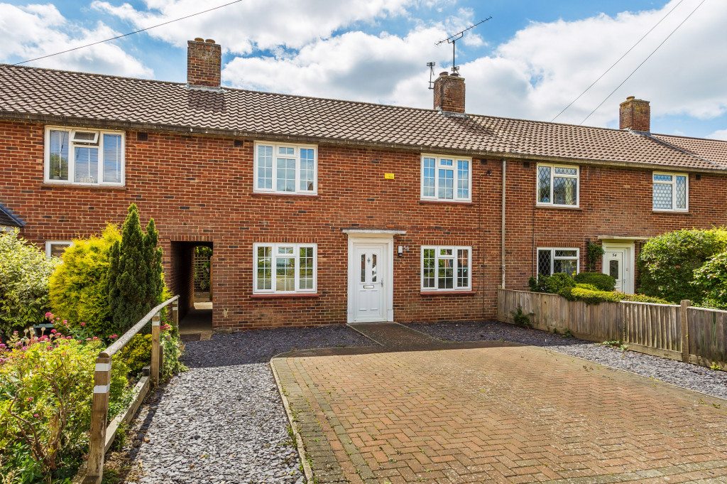 3 bed terraced house to rent in  Sullington Mead,  Horsham, RH12 - Property Image 1