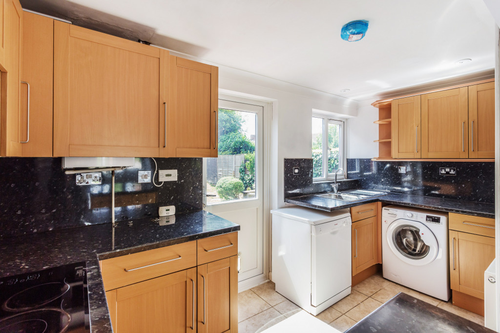 3 bed terraced house to rent in  Sullington Mead,  Horsham, RH12 2