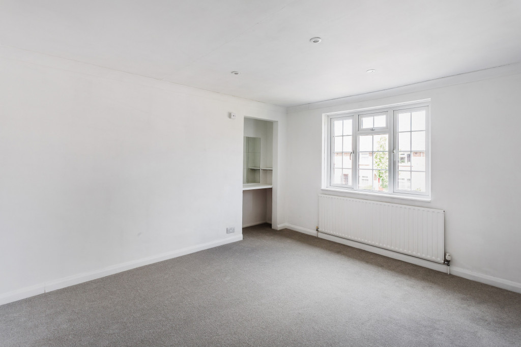 3 bed terraced house to rent in  Sullington Mead,  Horsham, RH12 7