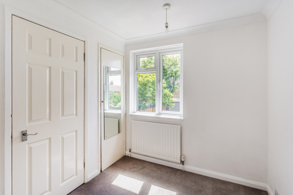 3 bed terraced house to rent in  Sullington Mead,  Horsham, RH12 8