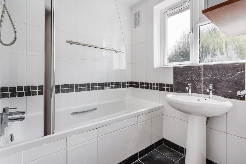 3 bed terraced house to rent in  Sullington Mead,  Horsham, RH12 9