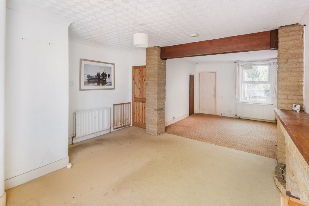 2 bed terraced house for sale in  Howard Road,  Dorking, RH5 3