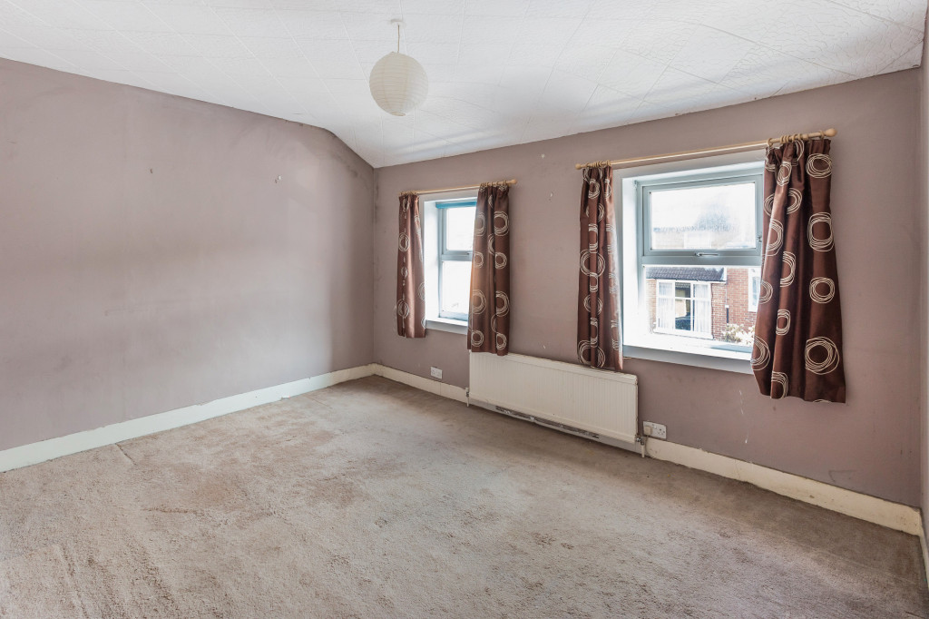 2 bed terraced house for sale in  Howard Road,  Dorking, RH5 5