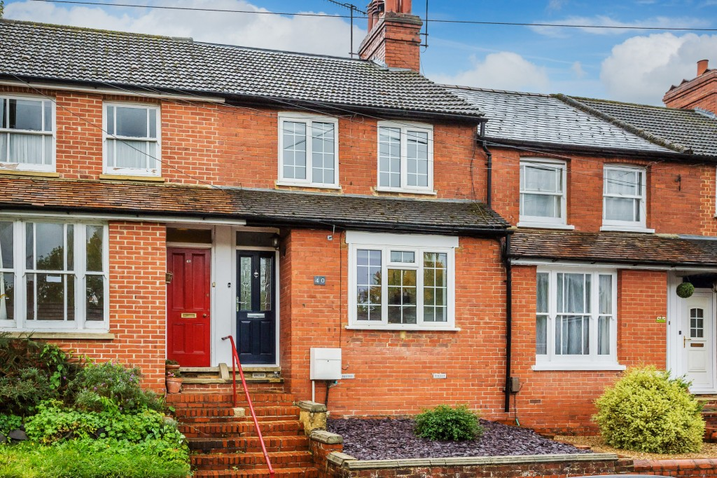 3 bed terraced house for sale in  Holmesdale Road,  Dorking, RH5 - Property Image 1