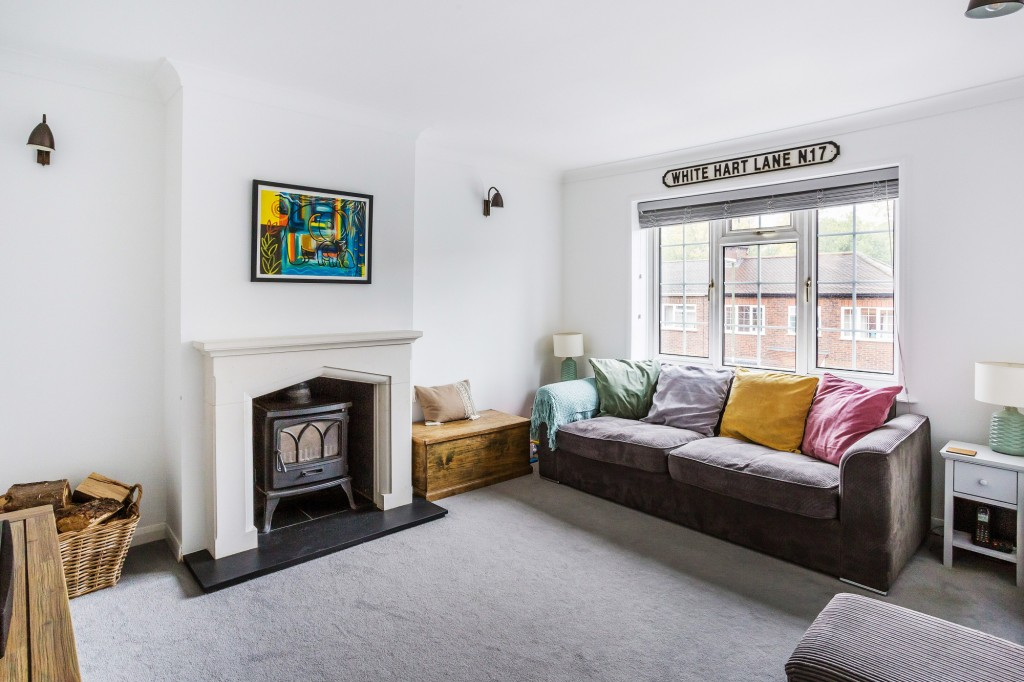 3 bed terraced house for sale in  Holmesdale Road,  Dorking, RH5  - Property Image 4
