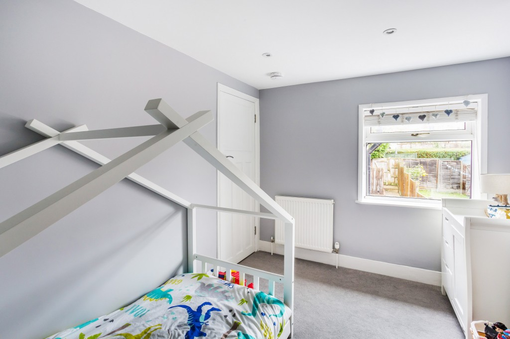 3 bed terraced house for sale in  Holmesdale Road,  Dorking, RH5 8