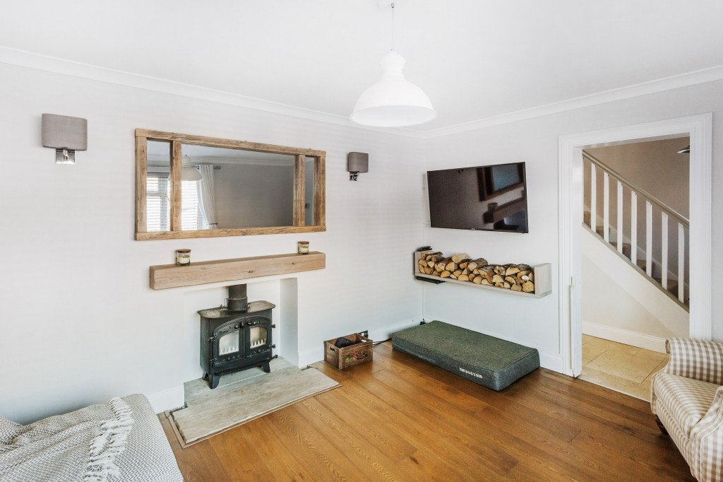 3 bed semi-detached house for sale in  Bennetts Wood,  Dorking, RH5  - Property Image 7