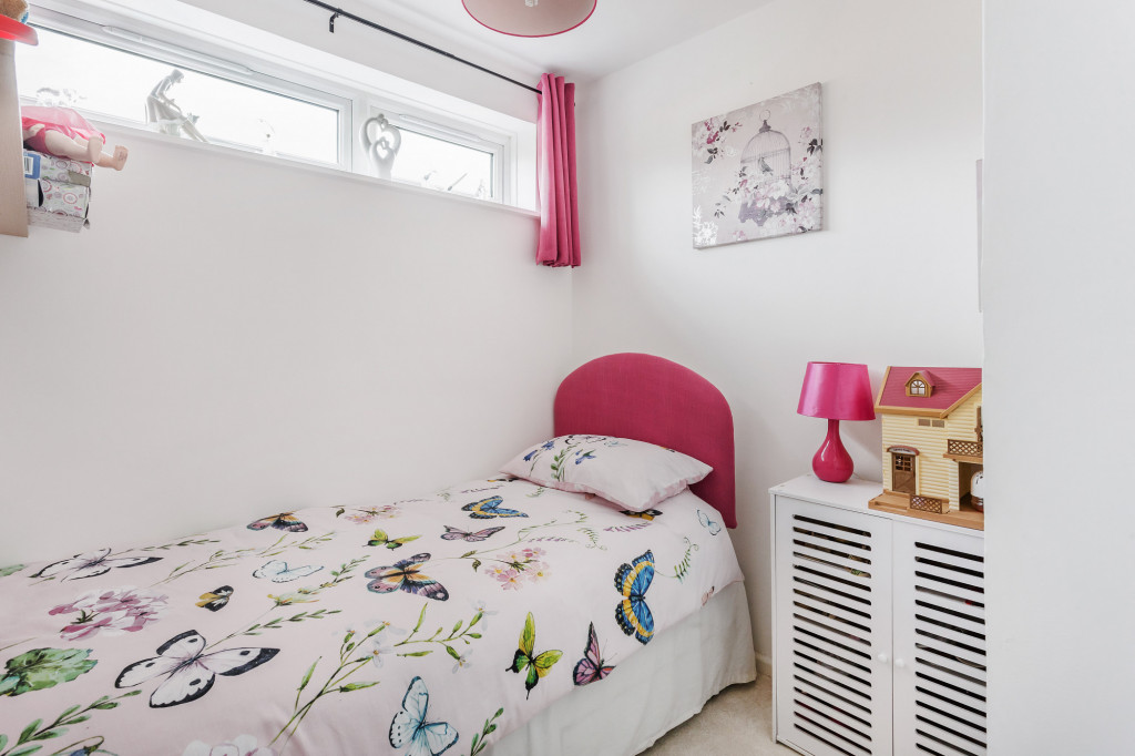 2 bed apartment for sale in  Holmesdale Road,  Dorking, RH5 5