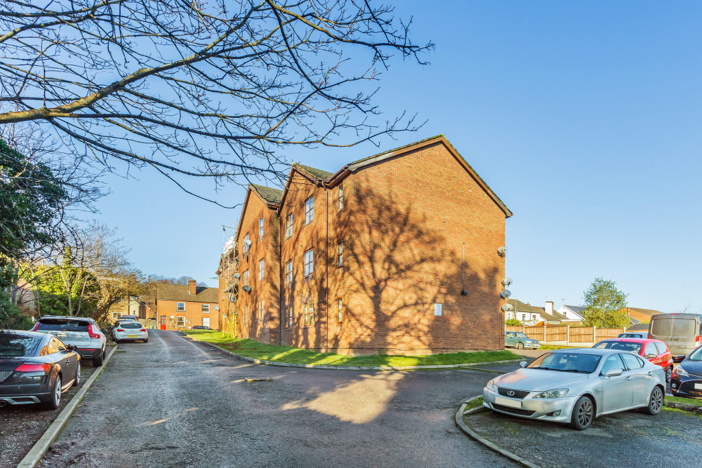 1 bed flat for sale in  29 Wilton Road,  Redhill, RH1, RH1
