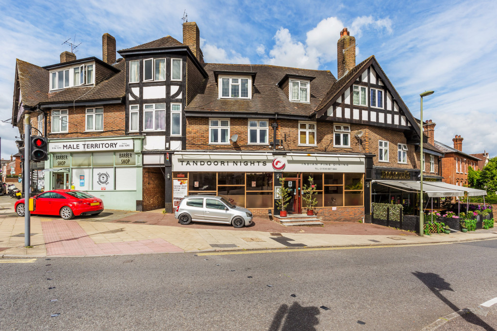 1 bed flat to rent in Galsworthy House High Street,  Dorking, RH4 - Property Image 1