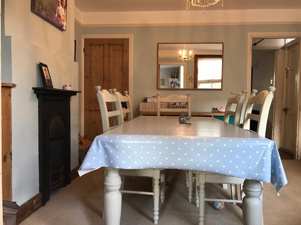 3 bed semi-detached house to rent in Oakdene Road Brockham, Brockham, Betchworth, RH3 2