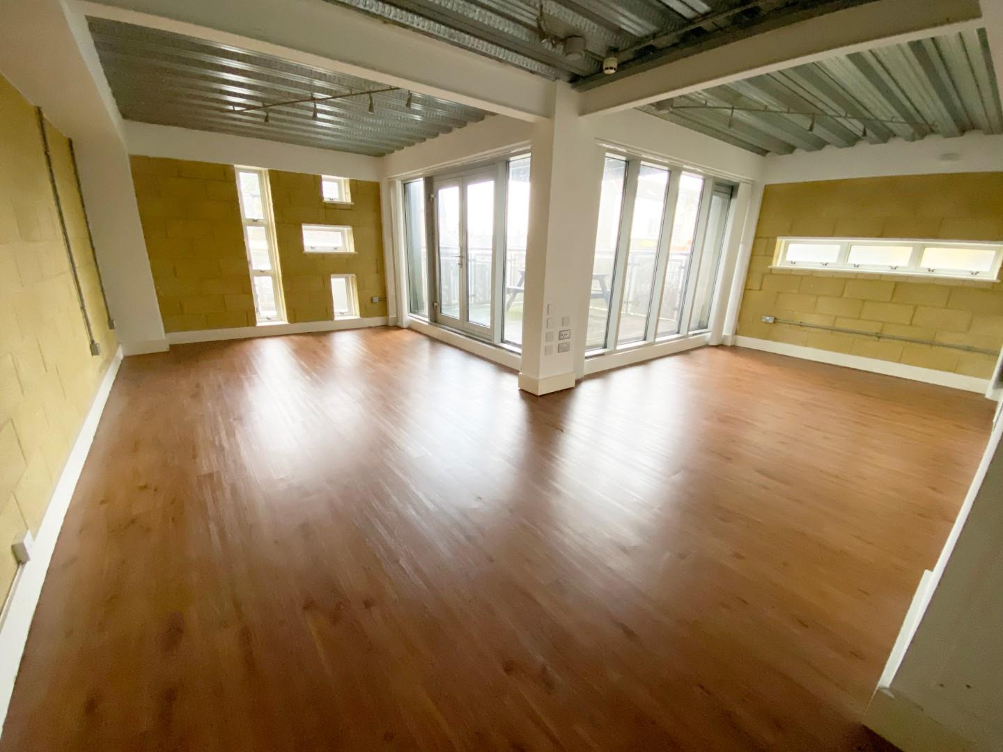 1 bed apartment for sale in Crwys Road, Cardiff - Property Image 1