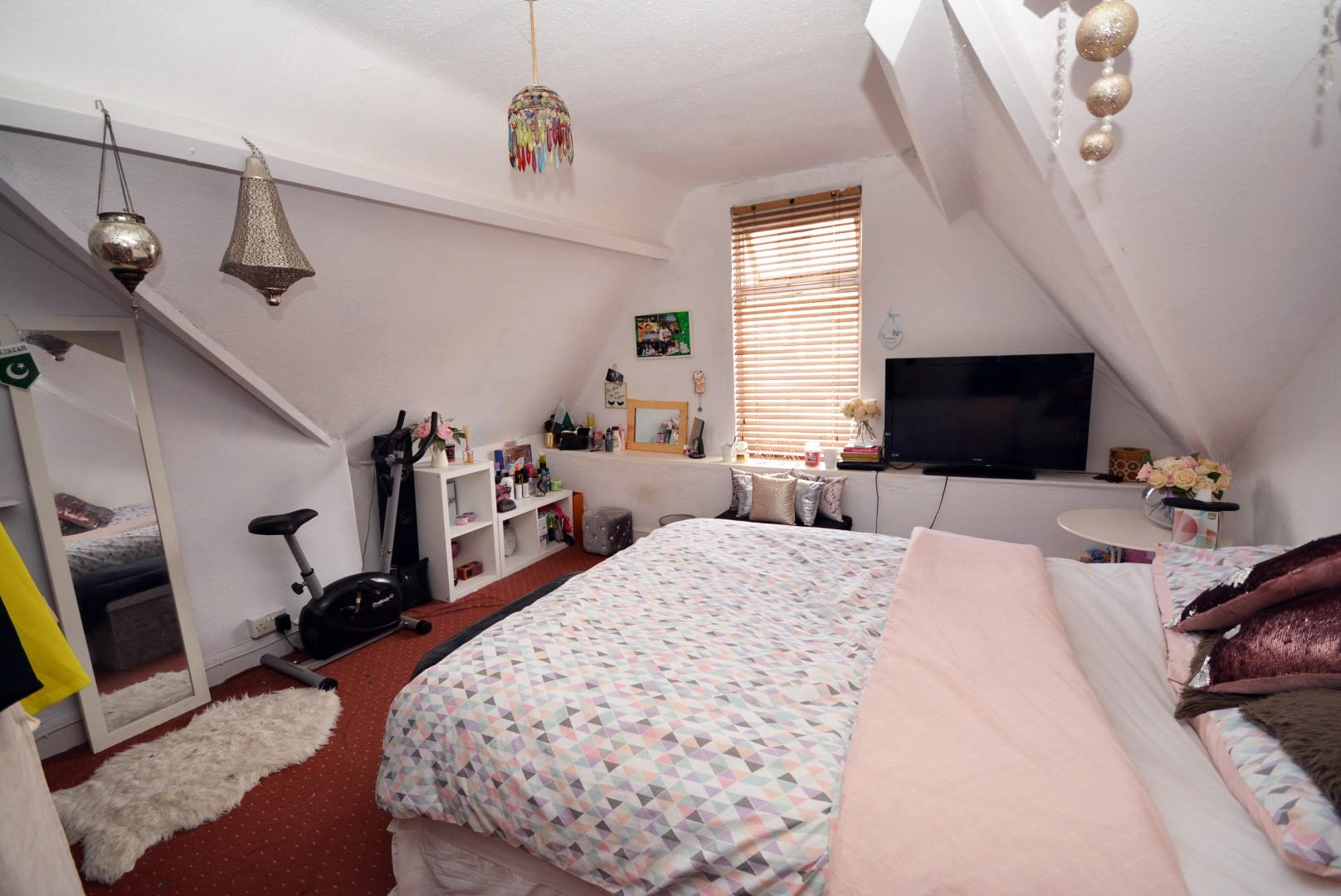 5 bed end of terrace house for sale in Claude Road, Cardiff 6