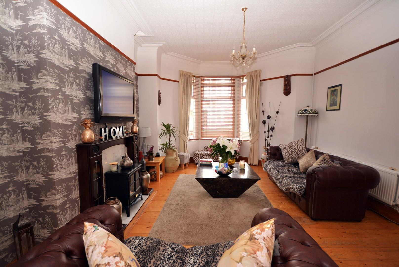 5 bed end of terrace house for sale in Claude Road, Cardiff 12