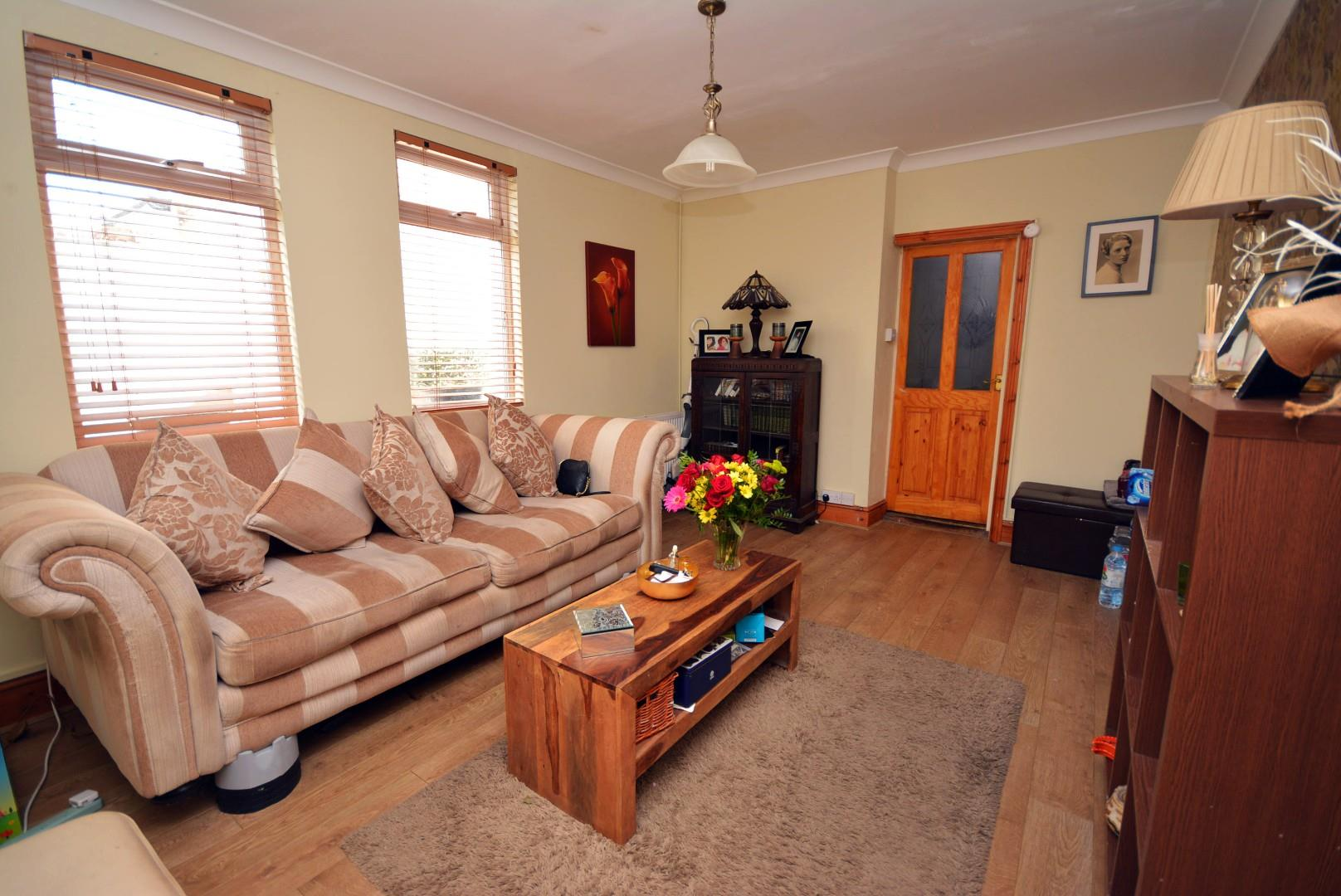 5 bed end of terrace house for sale in Claude Road, Cardiff 4