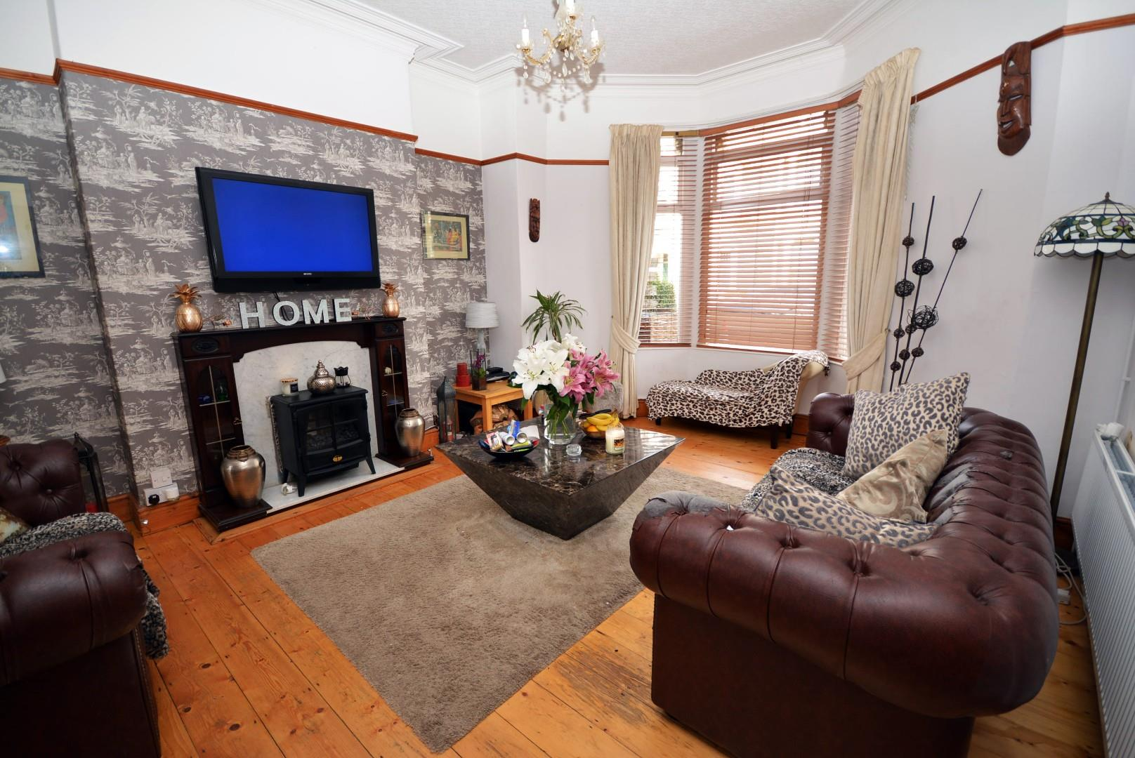 5 bed end of terrace house for sale in Claude Road, Cardiff - Property Image 1