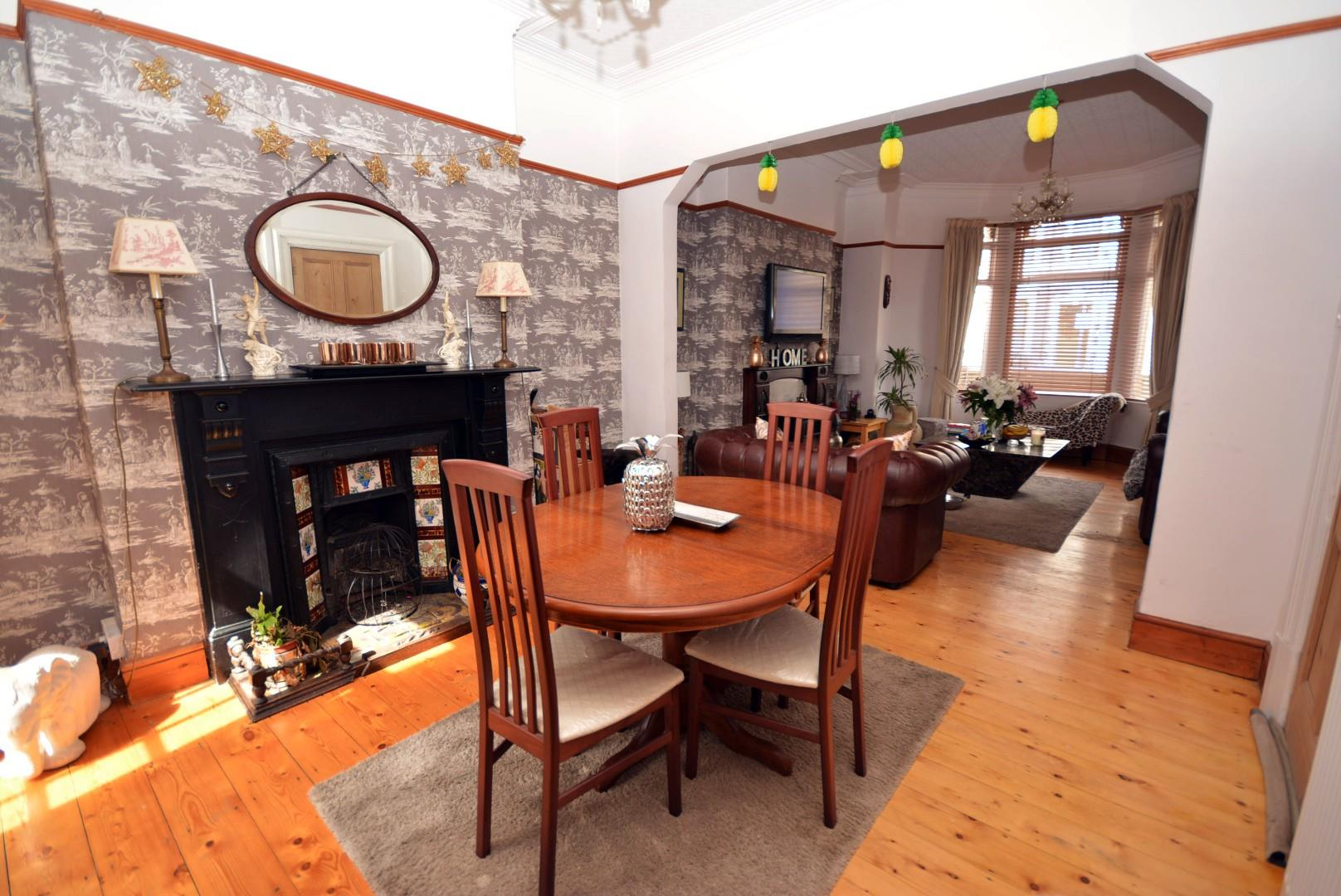 5 bed end of terrace house for sale in Claude Road, Cardiff  - Property Image 4