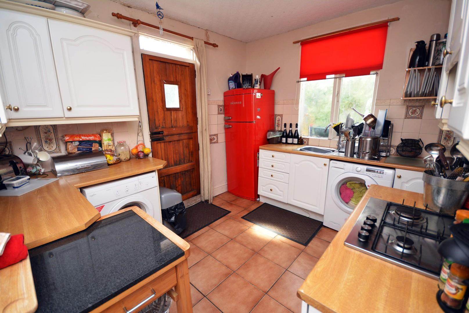 5 bed end of terrace house for sale in Claude Road, Cardiff 1