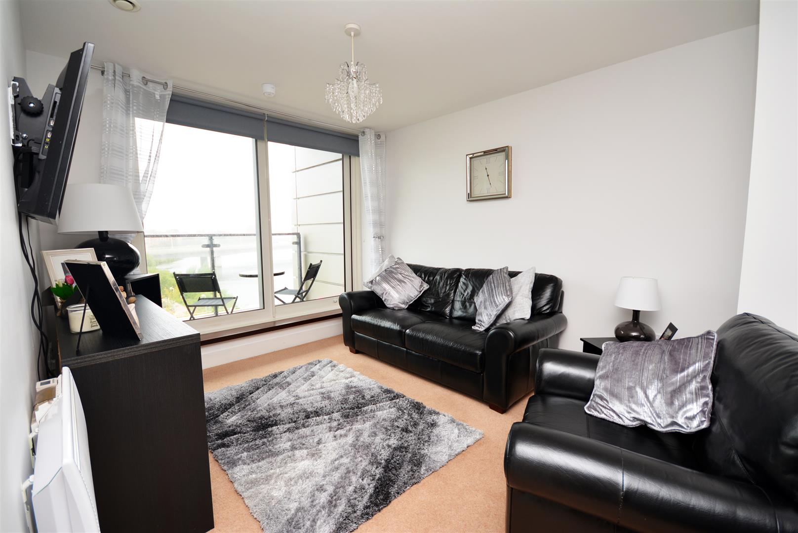 2 bed apartment for sale in Ferry Court, Cardiff  - Property Image 1