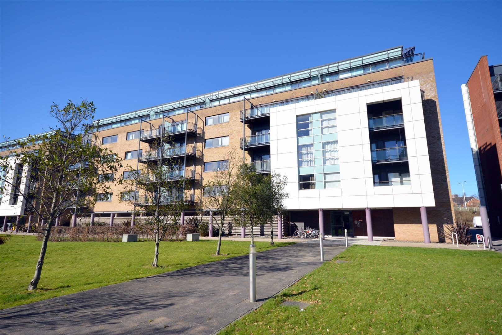 2 bed apartment to rent in Ferry Court, Cardiff, CF11