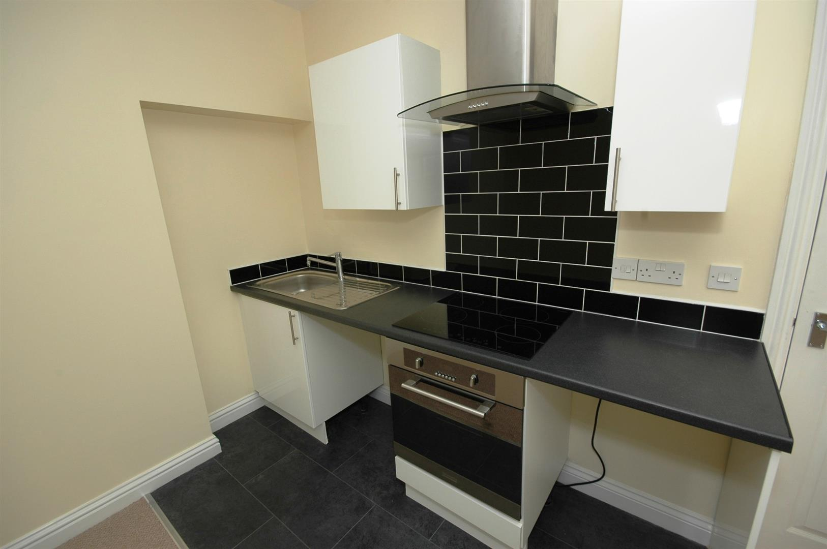 1 bed apartment to rent in Newport Road, Cardiff, CF24