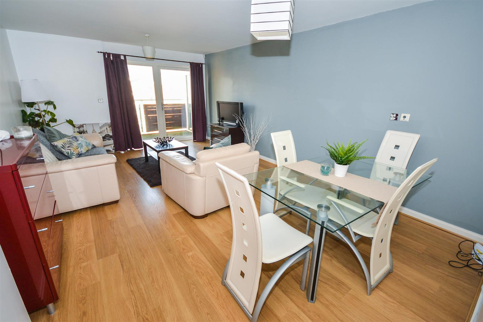 1 bed apartment for sale in Chandlery Way, Cardiff 3